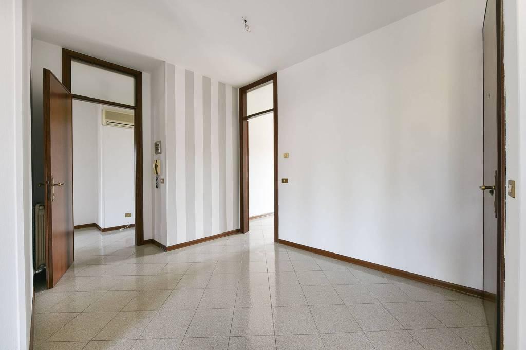 Appartamento in buone condizioni in vendita Rif. 7347203