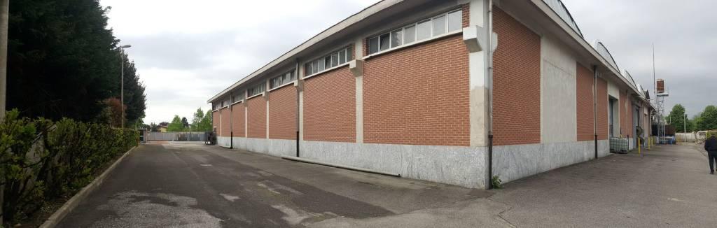 Capannone in affitto a Castellanza, 1 locali, prezzo € 3.833 | CambioCasa.it