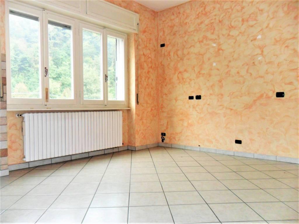 Appartamento in ottime condizioni in vendita Rif. 8243701