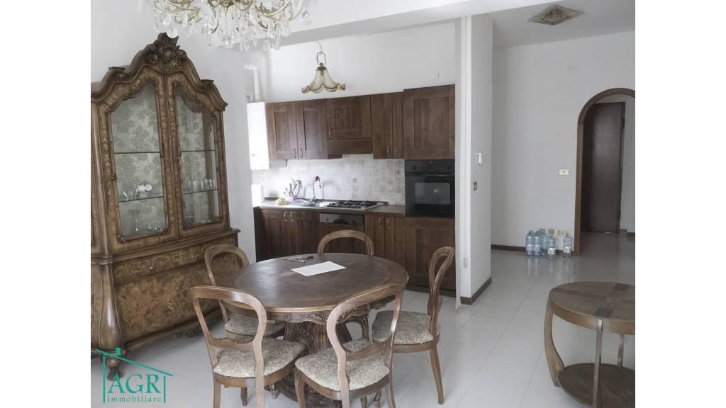 Appartamento arredato in affitto Rif. 8247349