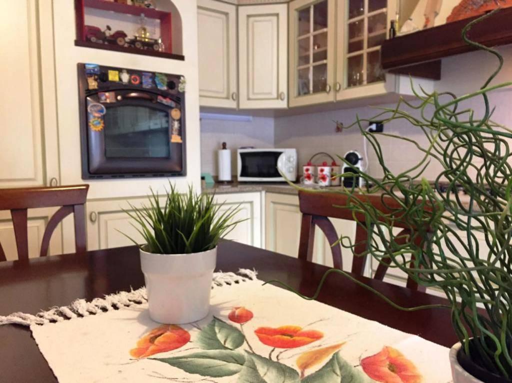 Appartamento in ottime condizioni in vendita Rif. 8247427