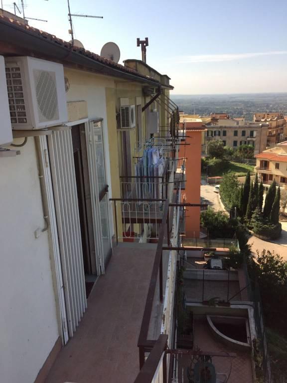 Appartamento in buone condizioni arredato in affitto Rif. 8578349