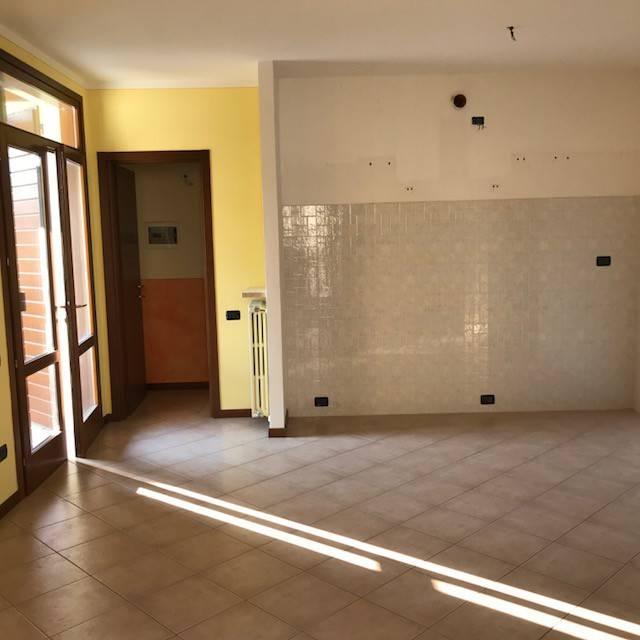 Appartamento in affitto a Volta Mantovana, 3 locali, prezzo € 500 | CambioCasa.it