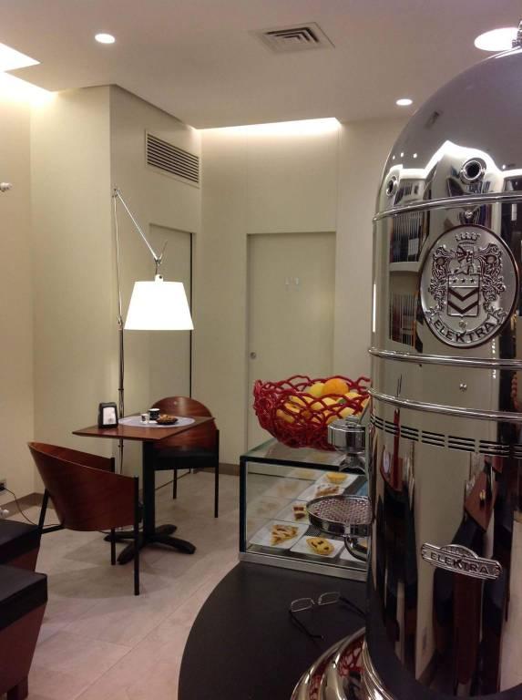 Bar in vendita a Asti, 2 locali, prezzo € 150.000 | PortaleAgenzieImmobiliari.it