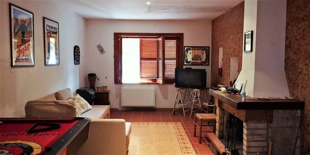 Casa Indipendente da ristrutturare in vendita Rif. 8244006
