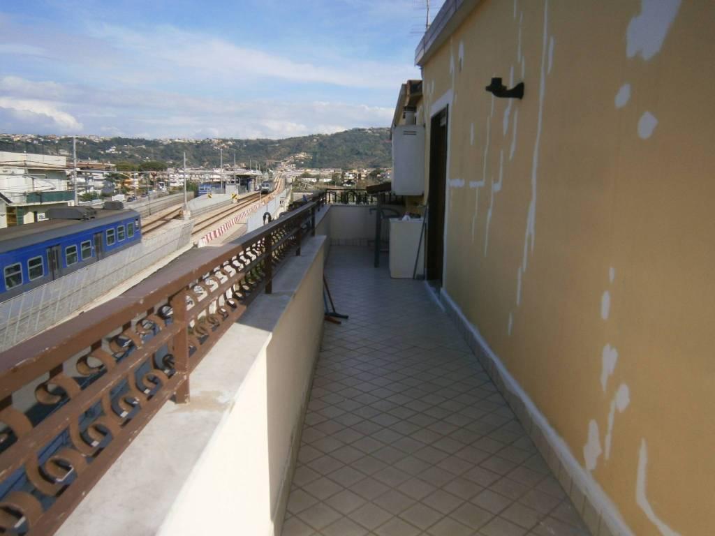 Appartamento in ottime condizioni in affitto Rif. 8549766