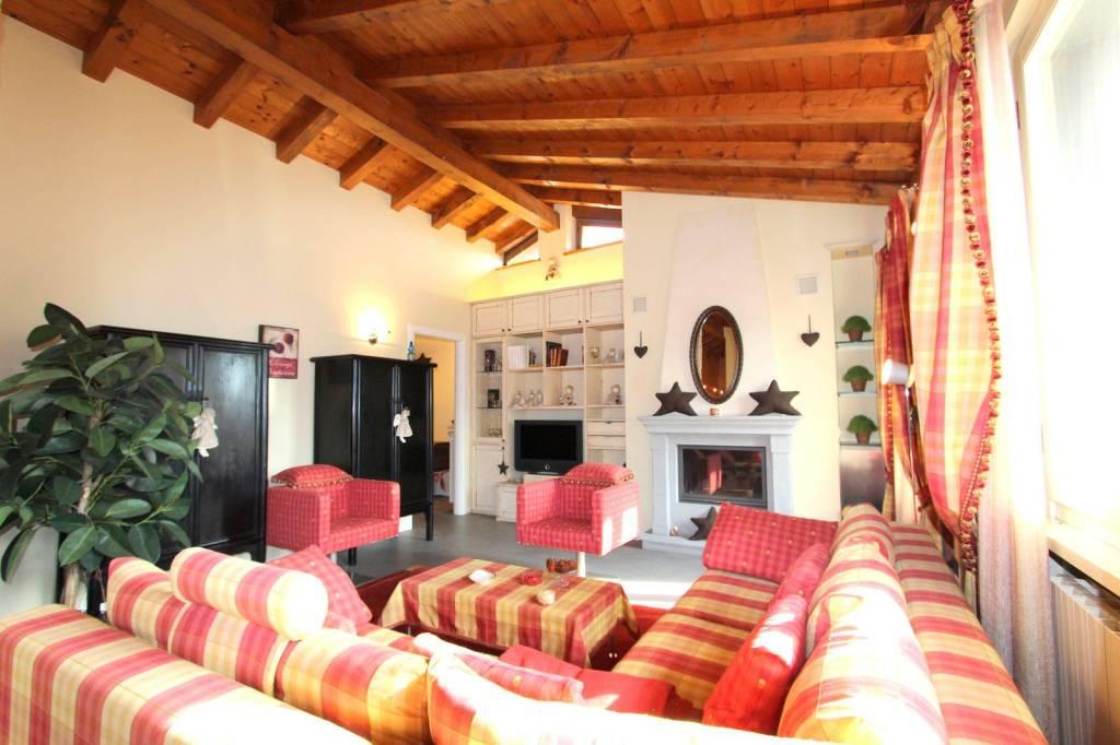 Attico / Mansarda in vendita a Clusone, 3 locali, prezzo € 368.000 | PortaleAgenzieImmobiliari.it