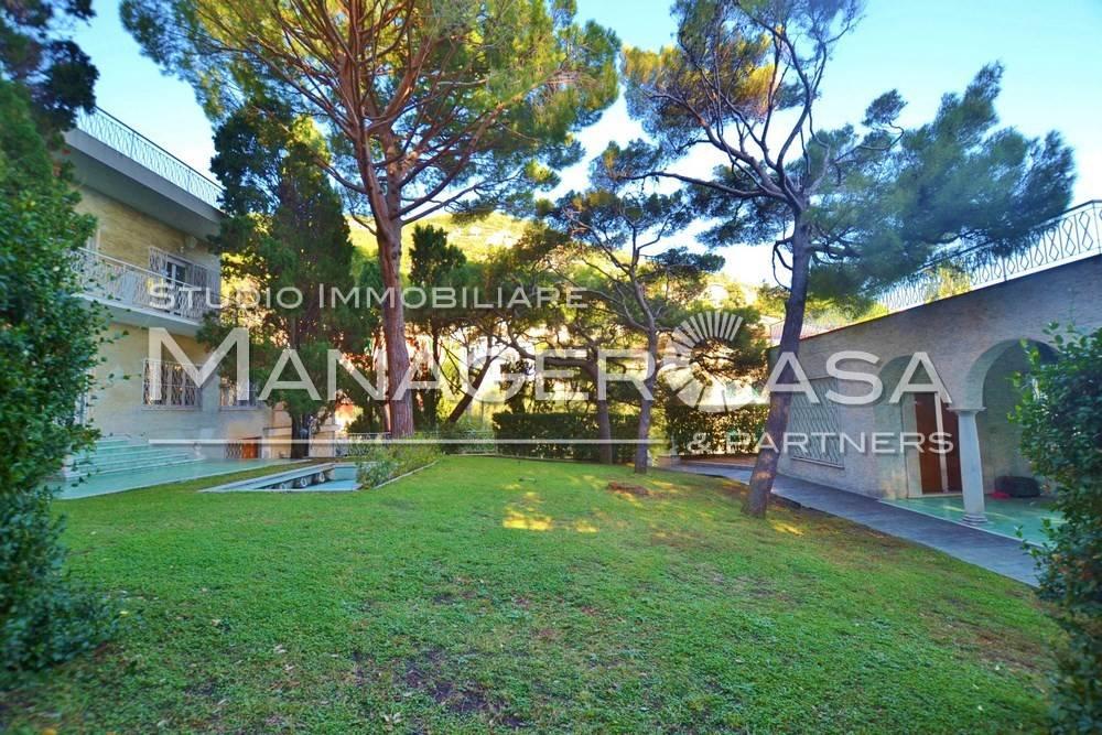 Villa in Vendita a Pieve Ligure