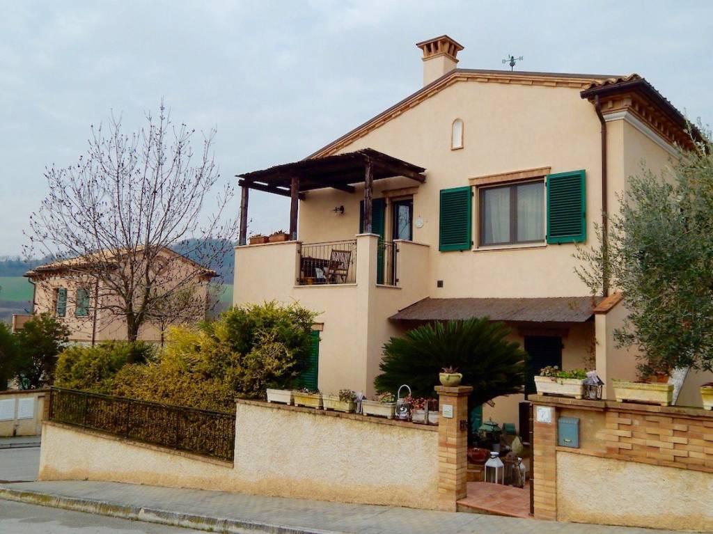 Sirolo, meraviglioso trilocale con terrazzo – RIF -VS44