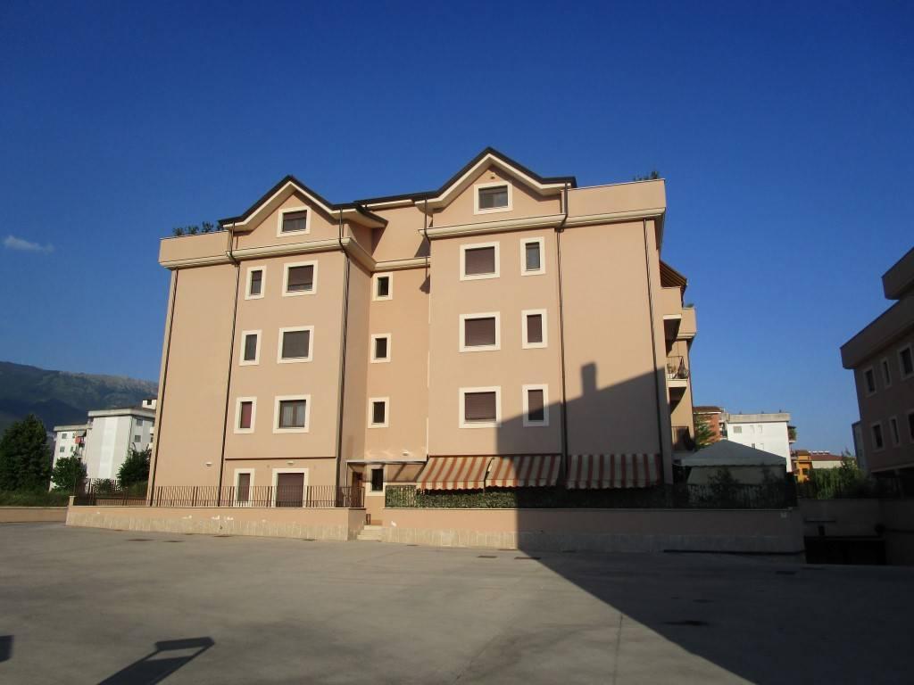 Appartamento di recente costruzione in parco recintato
