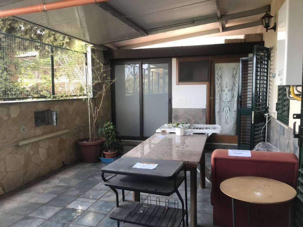 Appartamento in ottime condizioni in vendita Rif. 8242504