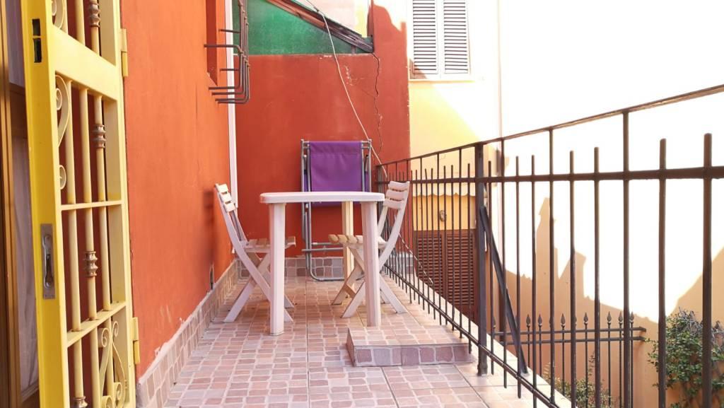 Appartamento in vendita 3 vani 60 mq.  via Massimo D'Azeglio Bologna