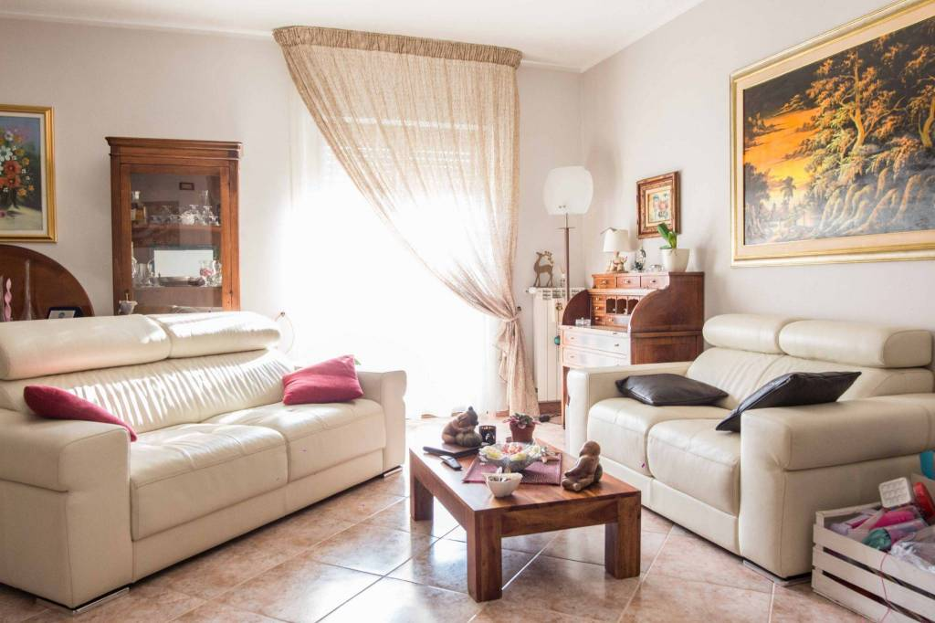 Villetta a schiera in buone condizioni in vendita Rif. 8256419
