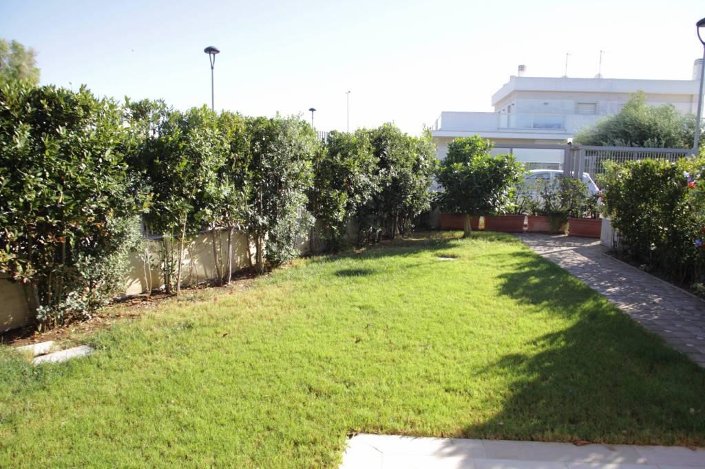 Bari - Torre a Mare affittasi tavernetta in villa arredato