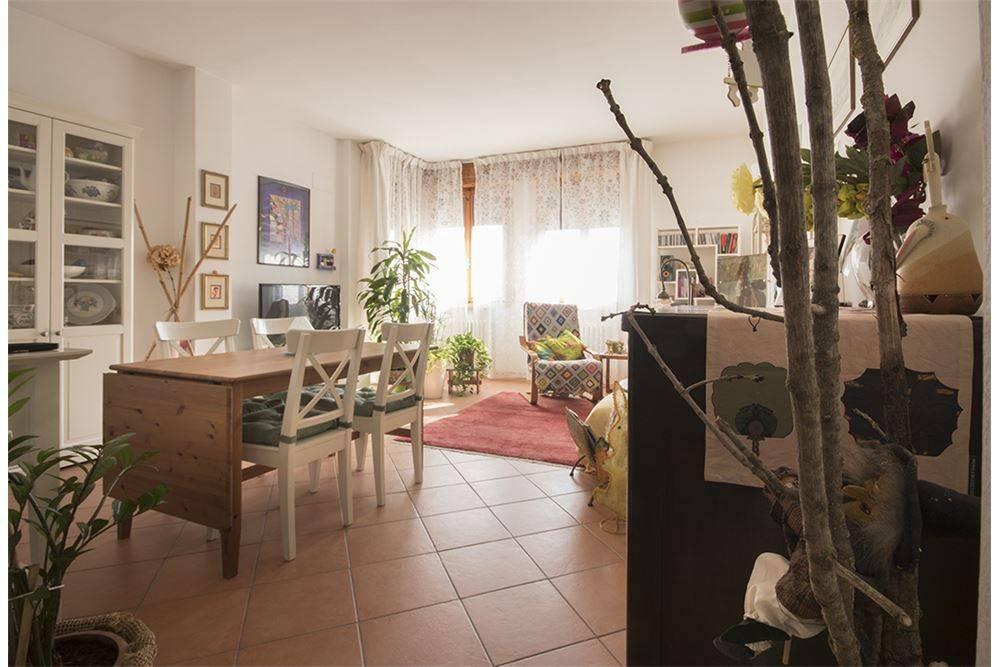 Appartamento in ottime condizioni in vendita Rif. 8259196