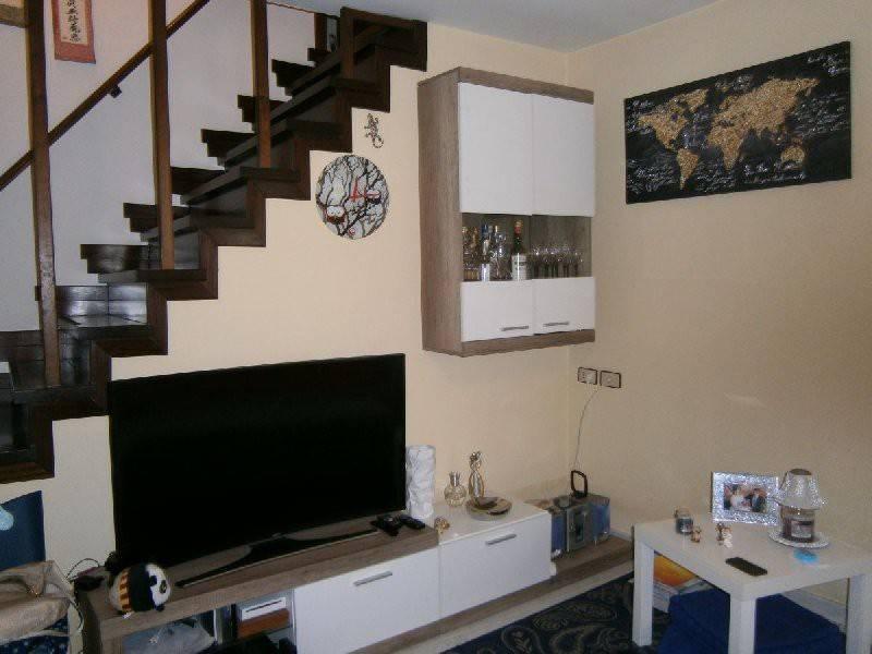 Casa Indipendente in ottime condizioni in vendita Rif. 8911152