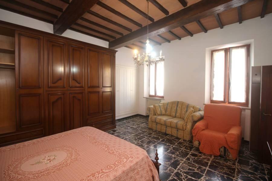 Appartamento in buone condizioni in vendita Rif. 8256473