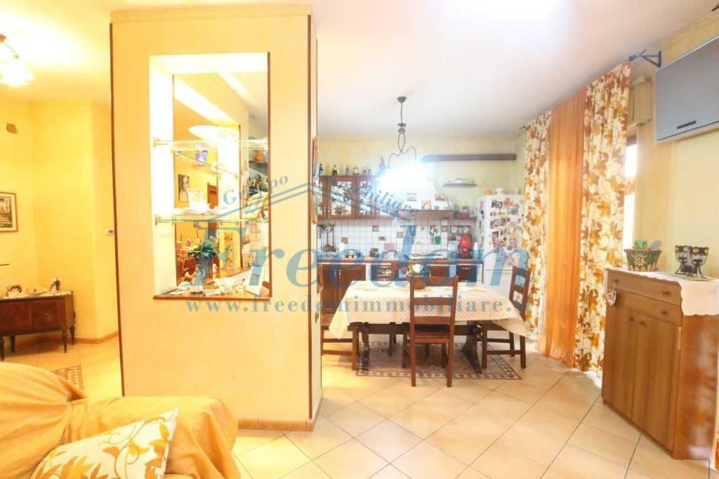 Appartamento in ottime condizioni in vendita Rif. 8254288