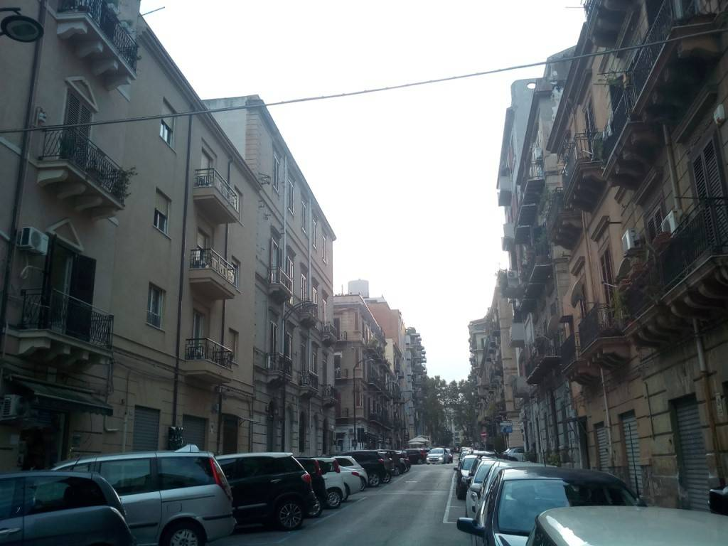 Appartamento in Affitto a Palermo Centro: 1 locali, 45 mq