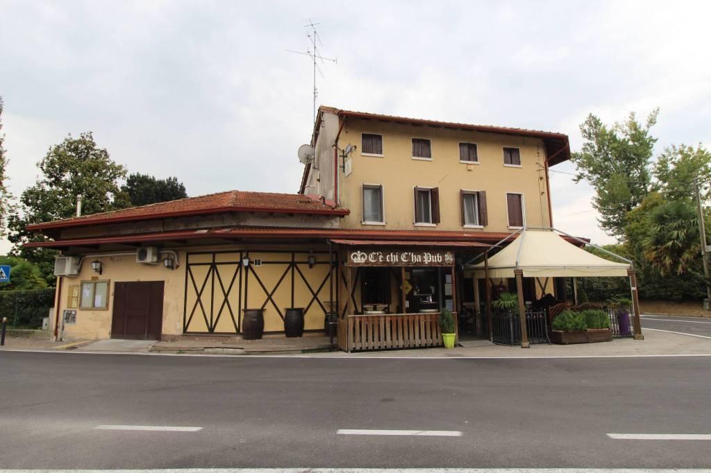 Stabile 6 locali in vendita a Porcia (PN)