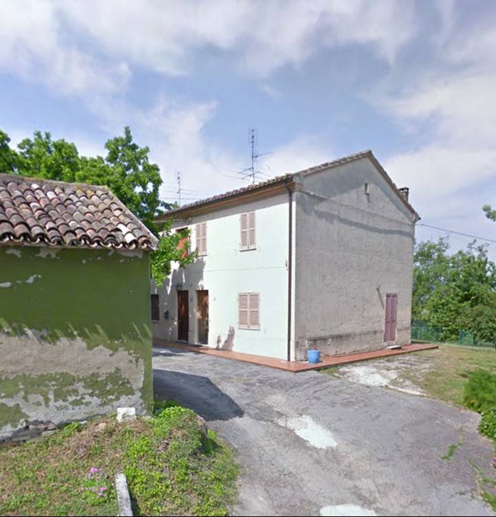 Rustico 5 locali in vendita a Fano (PU)