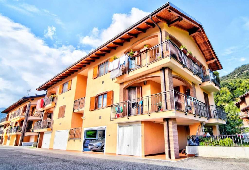 Appartamento in ottime condizioni in vendita Rif. 8255303