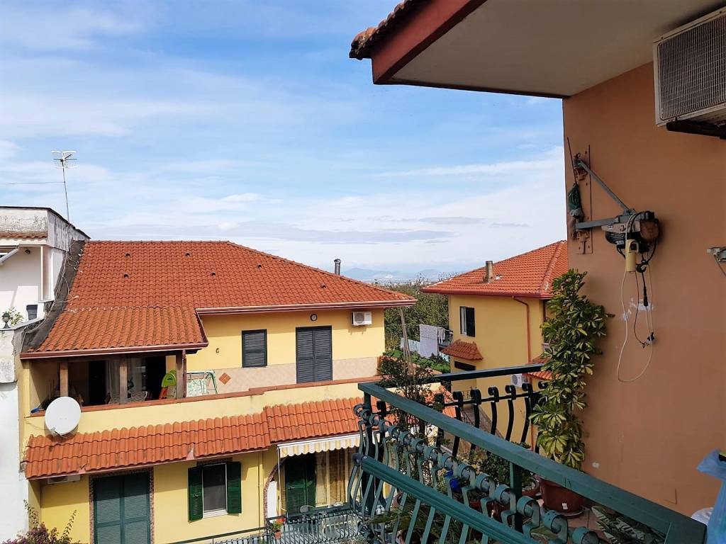 Appartamento in buone condizioni in vendita Rif. 8260273