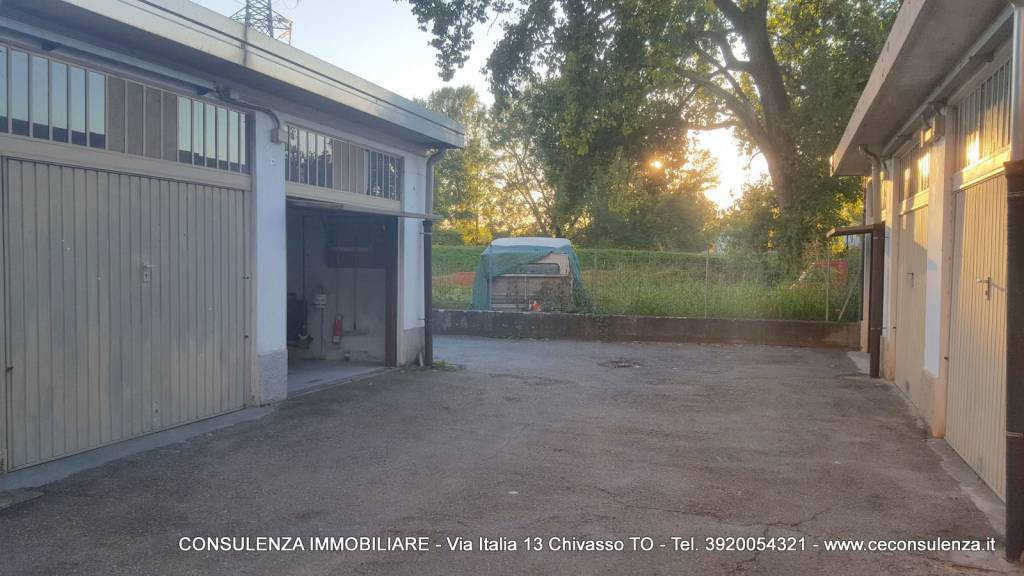 Box/Garage in vendita via Po 52 Chivasso