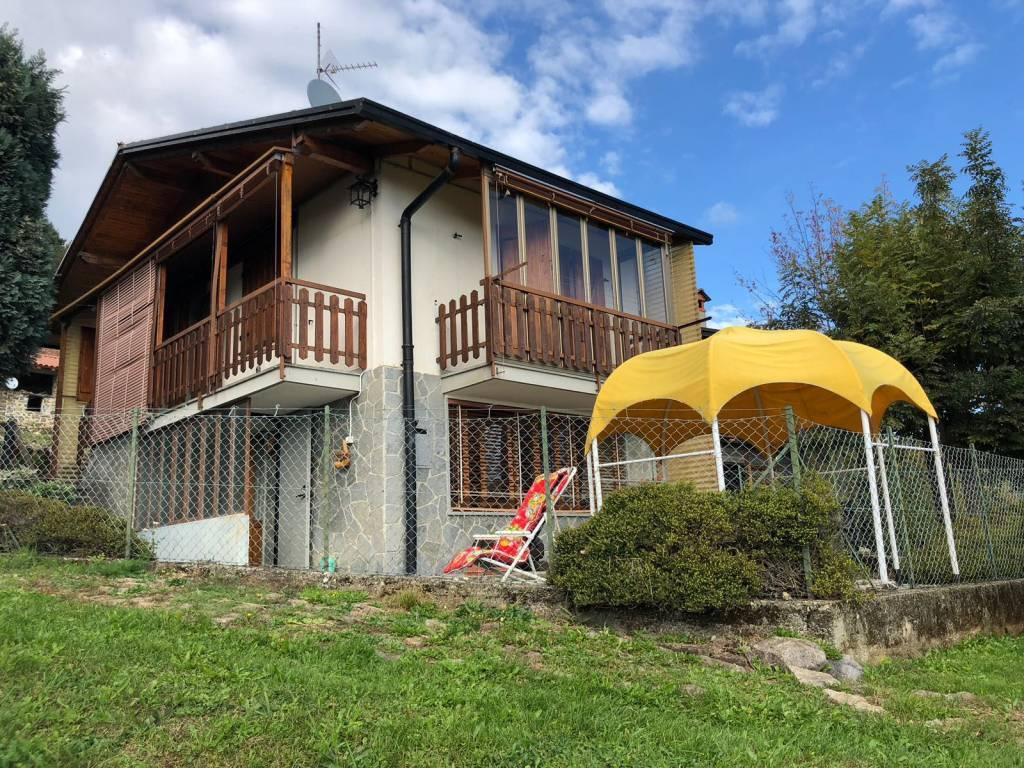 Villa in buone condizioni parzialmente arredato in vendita Rif. 8254748