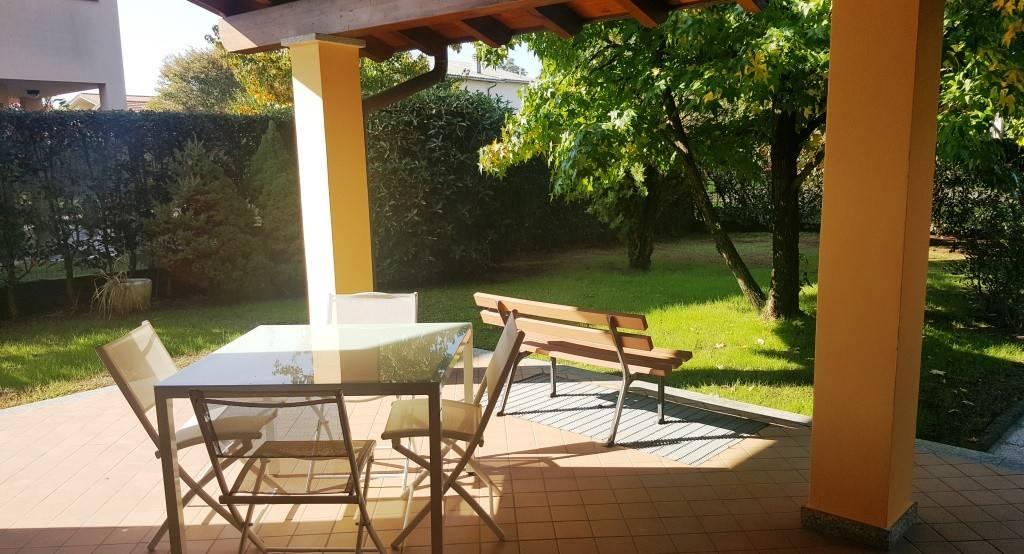 Villa in buone condizioni in vendita Rif. 8254822