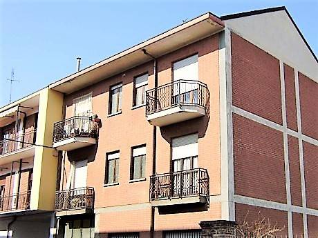 Appartamento in buone condizioni in affitto Rif. 8254439