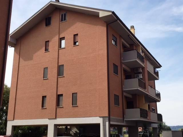 Appartamento in ottime condizioni arredato in affitto Rif. 8848376