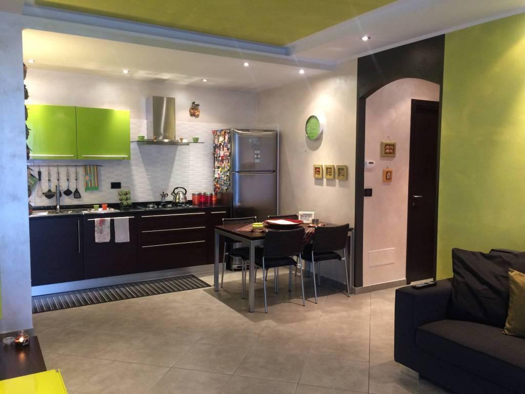 Appartamento in ottime condizioni in vendita Rif. 8256224