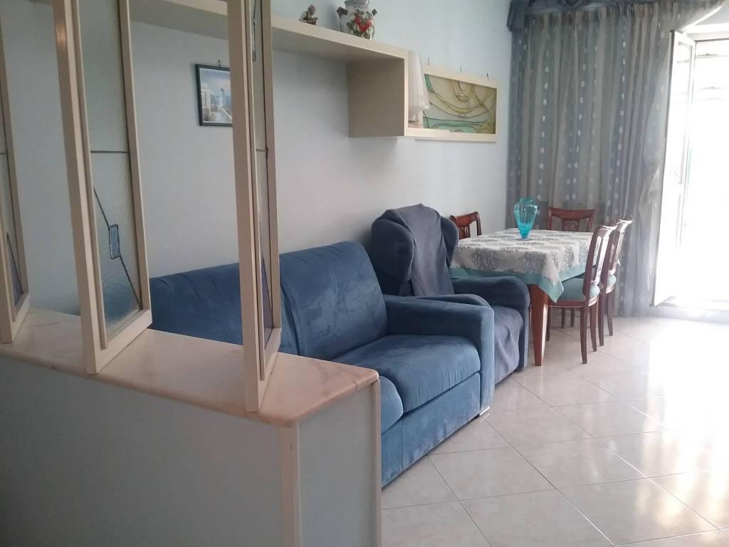 Appartamento in vendita a Pozzuoli, 3 locali, prezzo € 320.000   CambioCasa.it