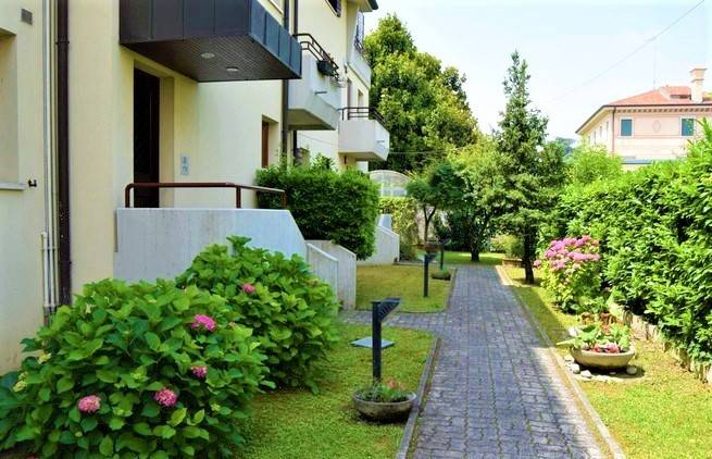 Appartamento 6 locali in vendita a Treviso (TV)