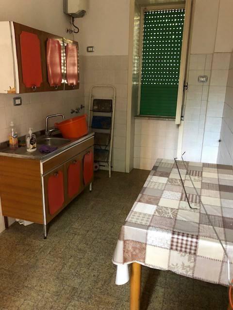 Appartamento in buone condizioni in affitto Rif. 8259765