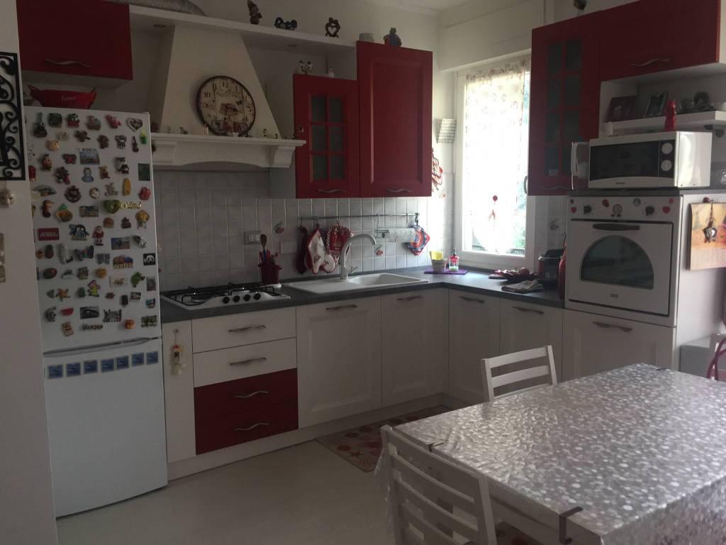Appartamento in ottime condizioni in vendita Rif. 8257206