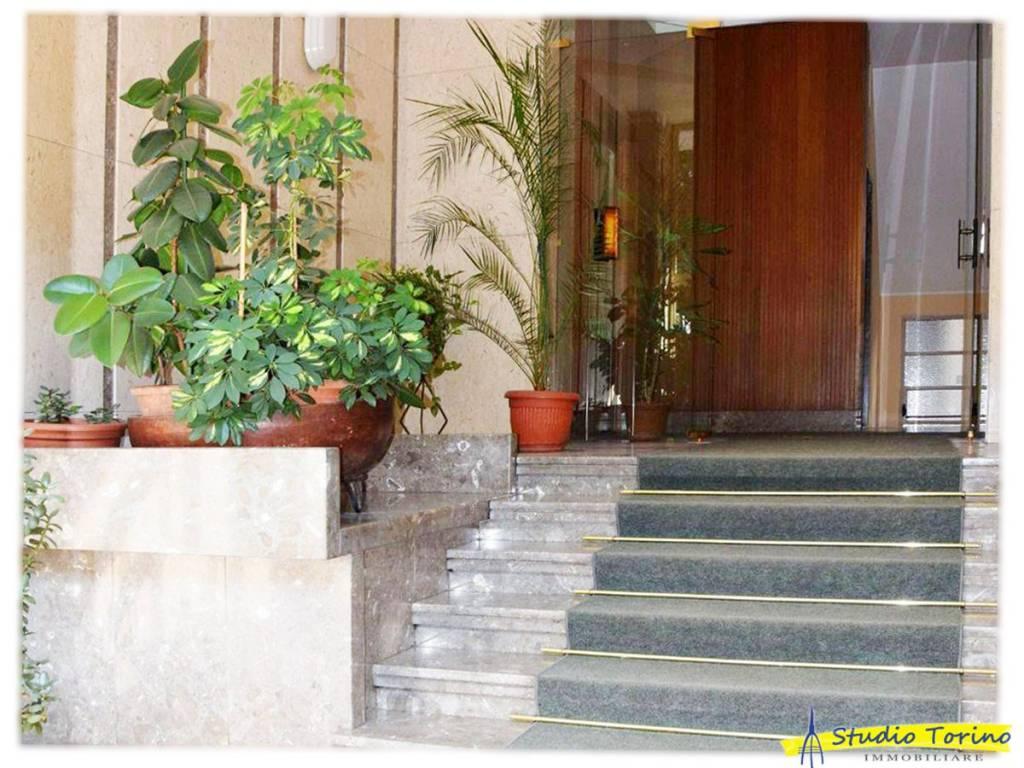 Appartamento in ottime condizioni in affitto Rif. 9486939
