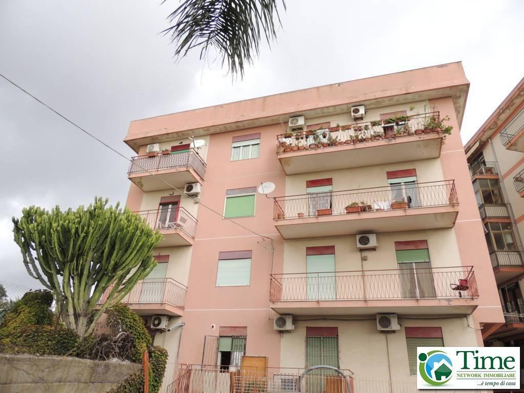 Appartamento in buone condizioni in affitto Rif. 8256221