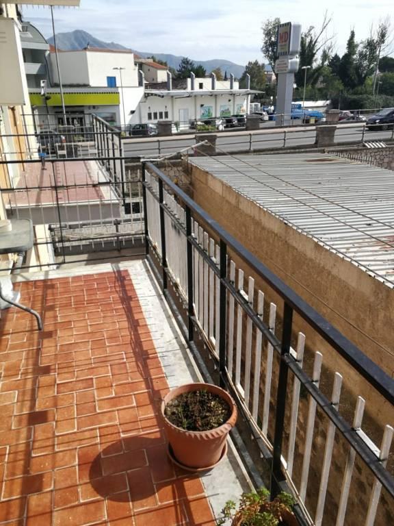 Appartamento in buone condizioni in vendita Rif. 8258351