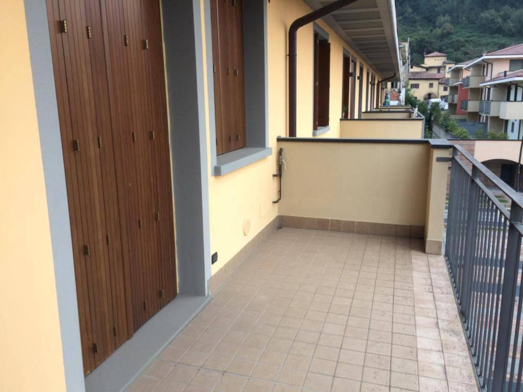 Appartamento in ottime condizioni in vendita Rif. 8259204