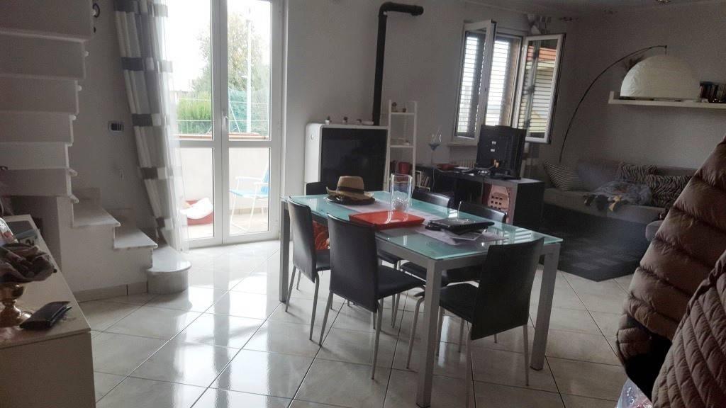 Appartamento in ottime condizioni in vendita Rif. 8254221