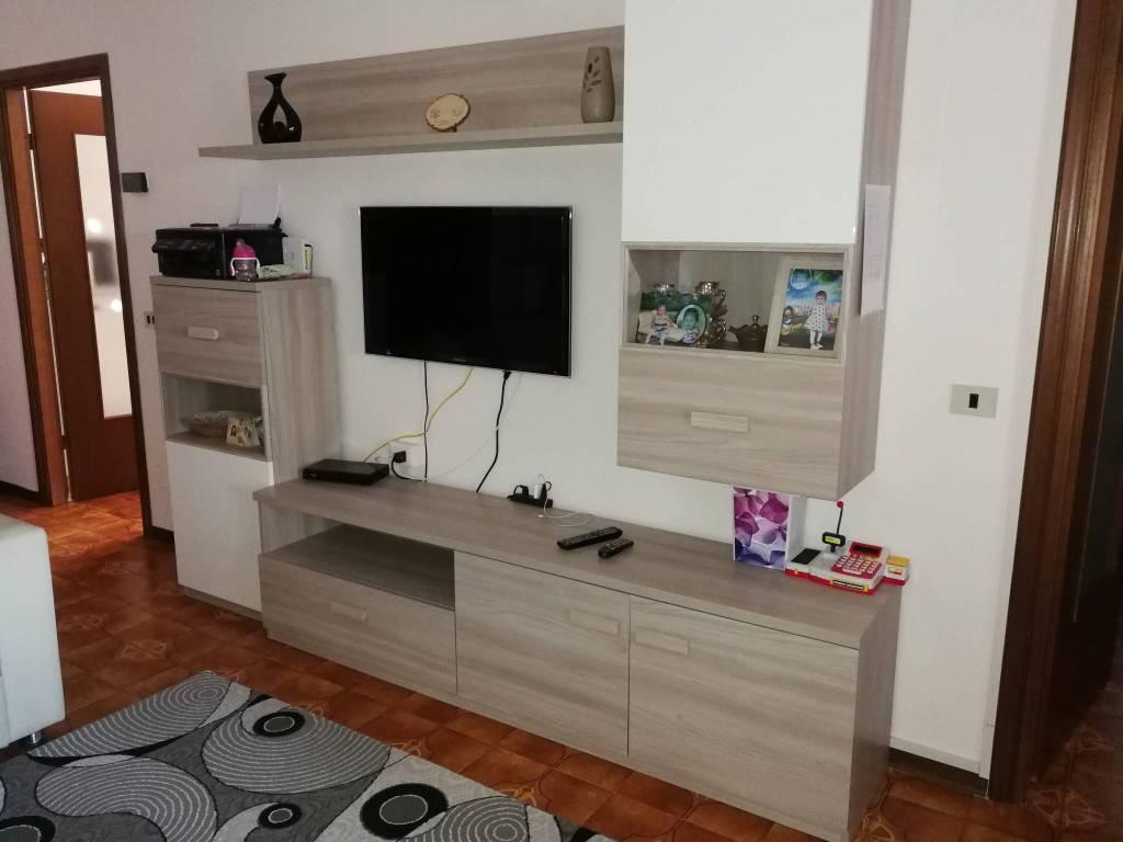 Appartamento in buone condizioni in vendita Rif. 8255733