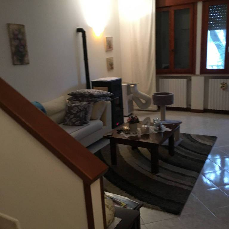 Villetta a schiera in buone condizioni in vendita Rif. 8254180