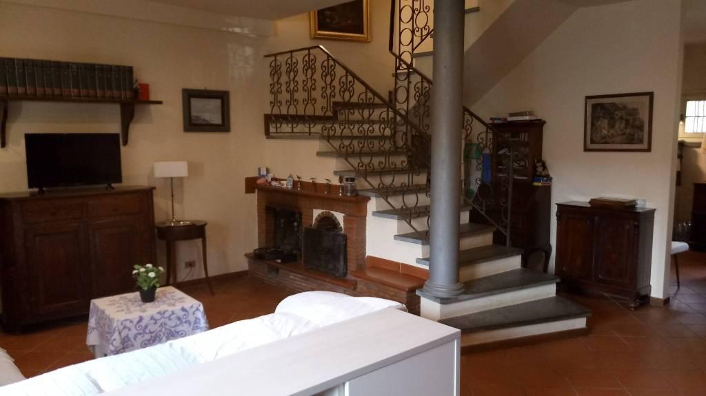 Villa a schiera 6 locali in vendita a Lucca (LU)