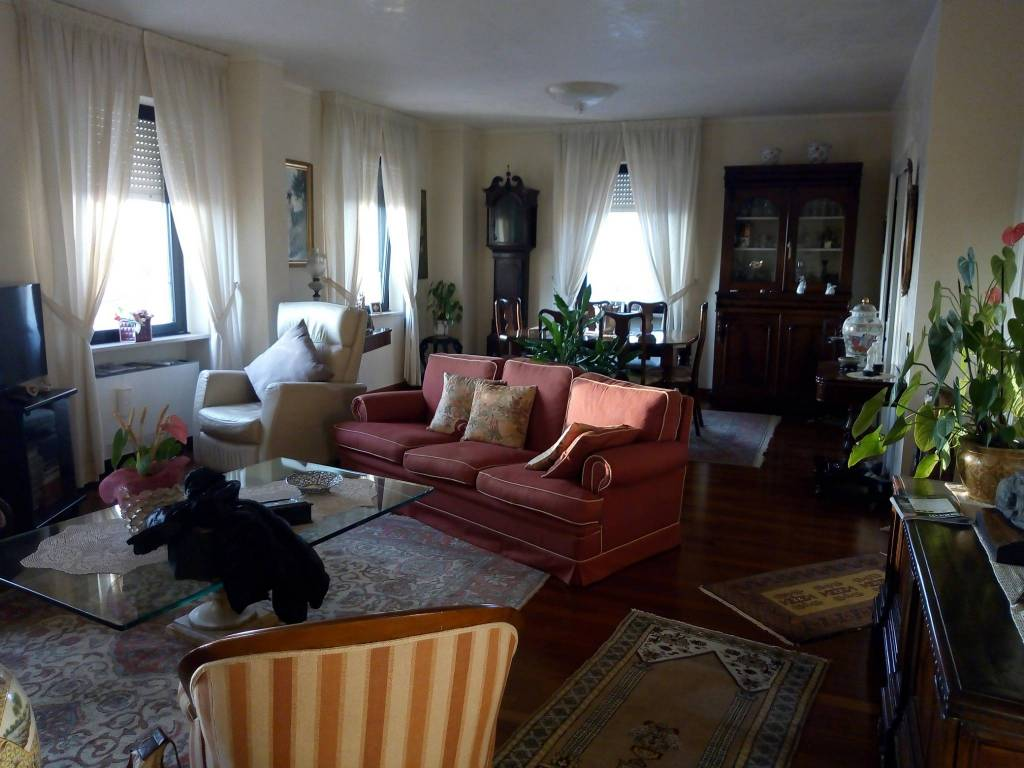 Appartamento quadrilocale in vendita a Viareggio (LU)