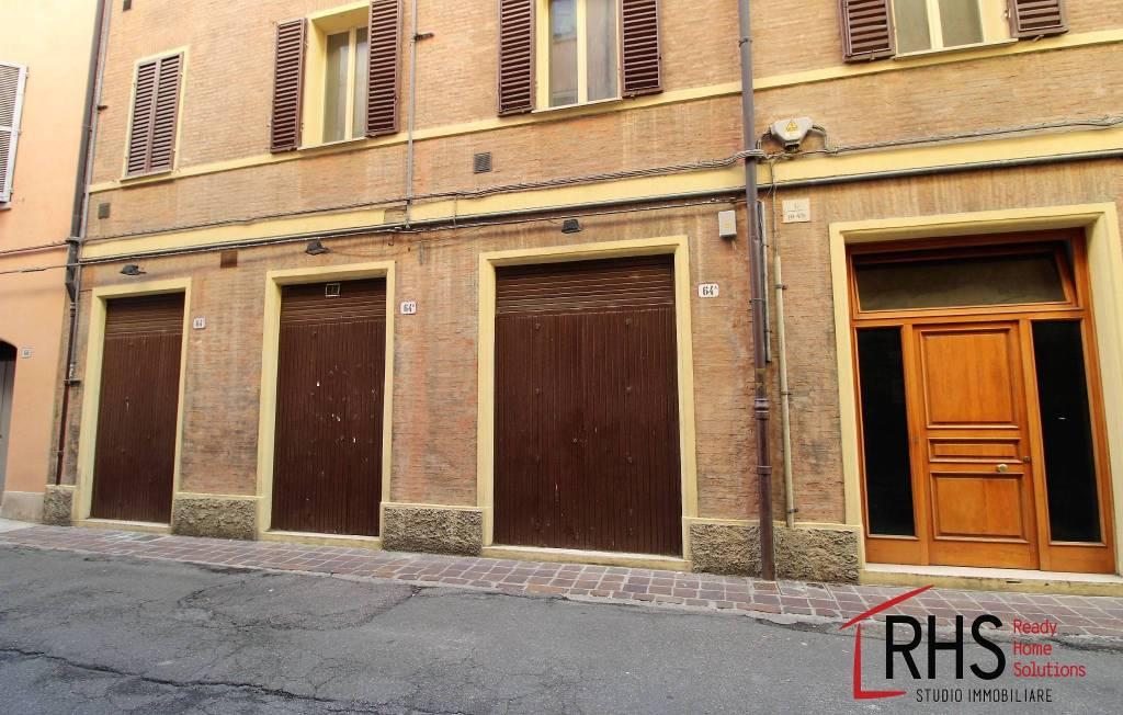 Negozio monolocale in vendita a Modena (MO)