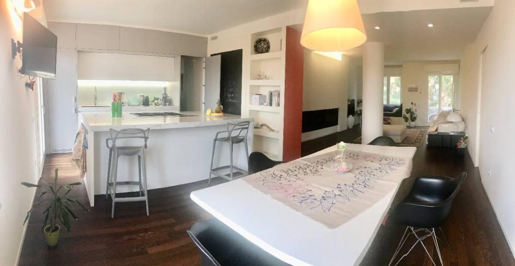 Appartamento in ottime condizioni parzialmente arredato in vendita Rif. 8271504