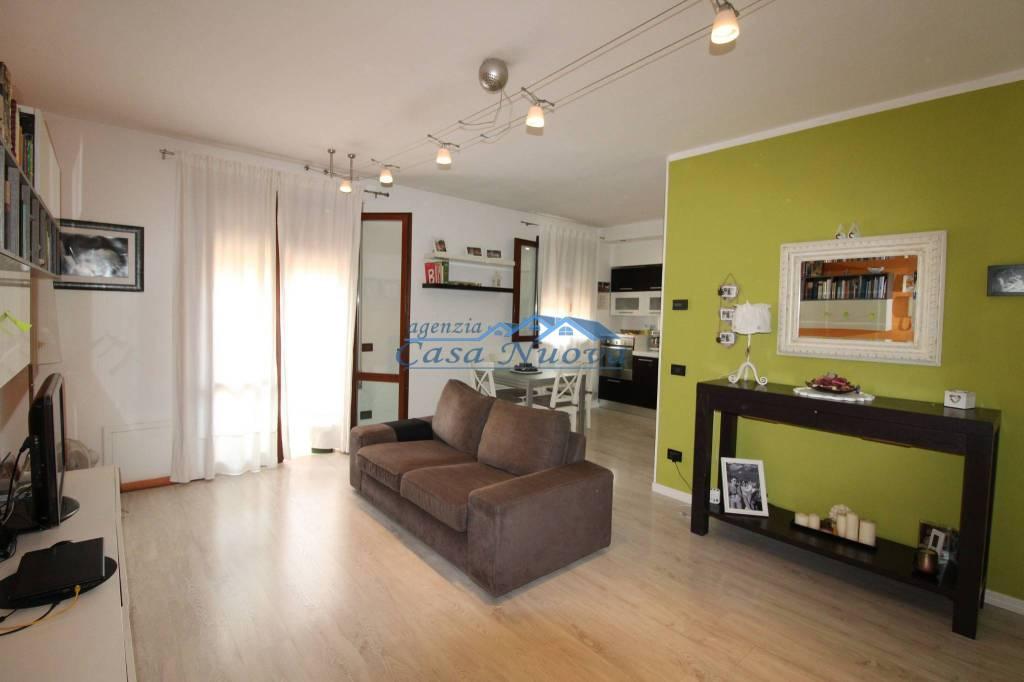 Appartamento in ottime condizioni in vendita Rif. 8271340