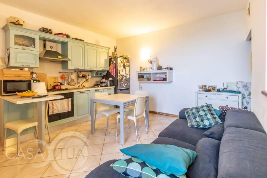 Appartamento in ottime condizioni in vendita Rif. 8270812
